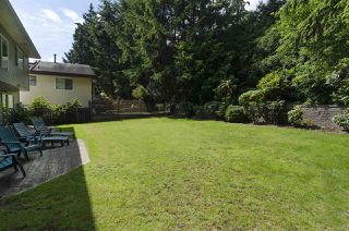 Photo 3: 3258 STRATHAVEN Lane in North Vancouver: Windsor Park NV House for sale : MLS®# R2087577