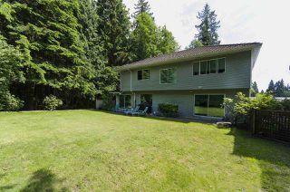 Photo 2: 3258 STRATHAVEN Lane in North Vancouver: Windsor Park NV House for sale : MLS®# R2087577