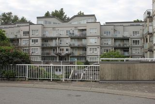 "Photo 14: 404 14377 103 Avenue in Surrey: Whalley Condo for sale in ""CLARIDGE COURT"" (North Surrey)  : MLS®# R2102251"