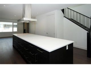 Photo 6: 5228 Bowness Road NW in Calgary: Montgomery House for sale : MLS®# C4087813