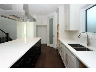 Photo 10: 5228 Bowness Road NW in Calgary: Montgomery House for sale : MLS®# C4087813