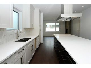 Photo 5: 5228 Bowness Road NW in Calgary: Montgomery House for sale : MLS®# C4087813