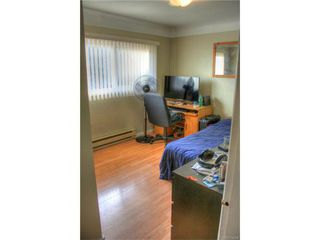 Photo 12: 1029-1031 Colville Rd in VICTORIA: Es Rockheights Full Duplex for sale (Esquimalt)  : MLS®# 749288