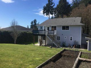 "Photo 3: 506 OCEANVIEW Drive in Gibsons: Gibsons & Area House for sale in ""WOODCREEK PARK"" (Sunshine Coast)  : MLS®# R2148807"