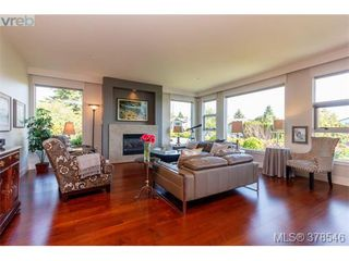 Photo 3: 108 3223 Selleck Way in VICTORIA: Co Lagoon Condo Apartment for sale (Colwood)  : MLS®# 760118