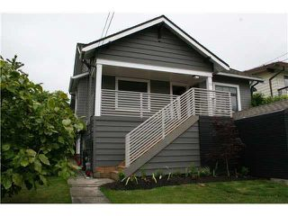 Main Photo: 138 W KINGS Road in North Vancouver: Upper Lonsdale House for sale : MLS®# R2171377