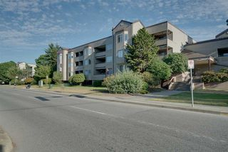 "Photo 3: 114 5294 204 Street in Langley: Langley City Condo for sale in ""Waters Edge"" : MLS®# R2189873"