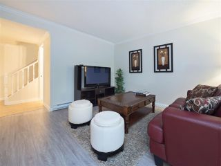 "Photo 2: 32 9101 FOREST GROVE Drive in Burnaby: Forest Hills BN Townhouse for sale in ""ROSSMOOR"" (Burnaby North)  : MLS®# R2192598"