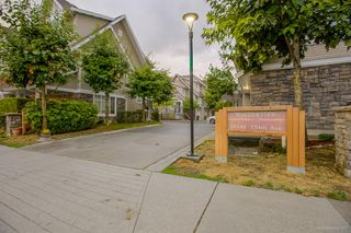 "Photo 2: 32 19141 124TH Avenue in Pitt Meadows: Mid Meadows Townhouse for sale in ""MEADOWVIEW ESTATES"" : MLS®# R2209397"