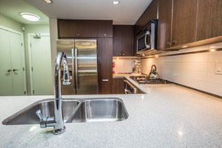 "Photo 8: 308 2940 KING GEORGE Boulevard in Surrey: King George Corridor Condo for sale in ""High Street"" (South Surrey White Rock)  : MLS®# R2229056"