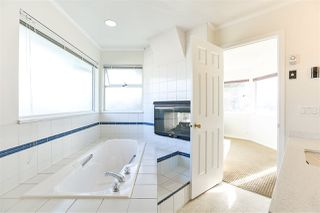 Photo 17: 6588 CLAYTONHILL Place in Surrey: Cloverdale BC House for sale (Cloverdale)  : MLS®# R2250469