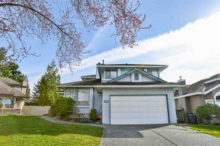 Photo 2: 6588 CLAYTONHILL Place in Surrey: Cloverdale BC House for sale (Cloverdale)  : MLS®# R2250469