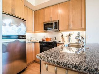 Photo 2: 429 901 W Queen Street in Toronto: Trinity-Bellwoods Condo for lease (Toronto C01)  : MLS®# C4160650