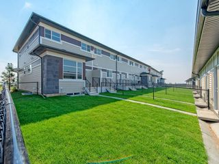 Photo 5: 48 SKYVIEW Circle NE in Calgary: Skyview Ranch Row/Townhouse for sale : MLS®# C4201044