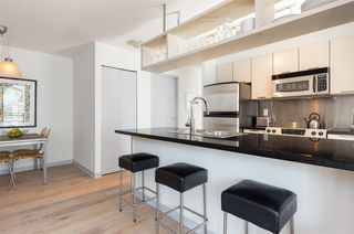 """Photo 6: 1106 1082 SEYMOUR Street in Vancouver: Downtown VW Condo for sale in """"FREESIA"""" (Vancouver West)  : MLS®# R2297152"""