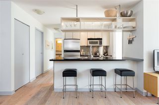 """Photo 5: 1106 1082 SEYMOUR Street in Vancouver: Downtown VW Condo for sale in """"FREESIA"""" (Vancouver West)  : MLS®# R2297152"""