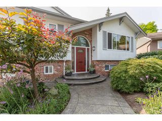 Photo 2: 319 MOUNT ROYAL Place in Port Moody: College Park PM House for sale : MLS®# R2298047