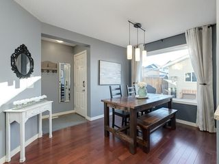 Photo 5: 1395 NEW BRIGHTON Drive SE in Calgary: New Brighton Detached for sale : MLS®# C4220066
