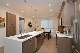"""Photo 5: 49 16118 87 Avenue in Surrey: Fleetwood Tynehead Townhouse for sale in """"ACADEMY"""" : MLS®# R2328797"""