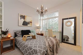 """Photo 7: 49 16118 87 Avenue in Surrey: Fleetwood Tynehead Townhouse for sale in """"ACADEMY"""" : MLS®# R2328797"""