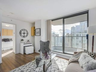 Photo 4: 1807 1189 HOWE Street in Vancouver: Downtown VW Condo for sale (Vancouver West)  : MLS®# R2344031