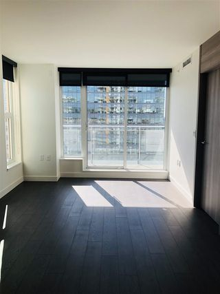 "Photo 14: 2002 455 SW MARINE Drive in Vancouver: Marpole Condo for sale in ""W1"" (Vancouver West)  : MLS®# R2356625"