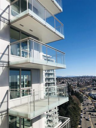 "Photo 10: 2002 455 SW MARINE Drive in Vancouver: Marpole Condo for sale in ""W1"" (Vancouver West)  : MLS®# R2356625"