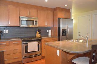 Photo 8: 505 11933 JASPER Avenue in Edmonton: Zone 12 Condo for sale : MLS®# E4152546