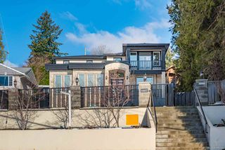 Photo 1: 4467 MARINE Drive in Burnaby: South Slope House for sale (Burnaby South)  : MLS®# R2370560