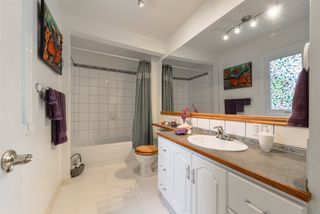 Photo 10: 8703 79 Avenue in Edmonton: Zone 17 House for sale : MLS®# E4158363