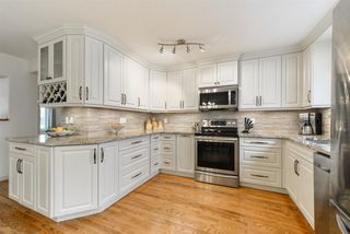 Photo 2: 8703 79 Avenue in Edmonton: Zone 17 House for sale : MLS®# E4158363