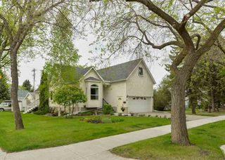 Photo 1: 8703 79 Avenue in Edmonton: Zone 17 House for sale : MLS®# E4158363