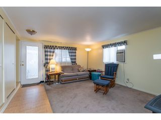 Photo 3: 68 9080 198 Street in Langley: Walnut Grove Manufactured Home for sale : MLS®# R2373113