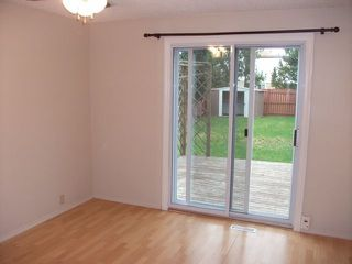 Photo 6: 1324 39 Street in Edmonton: Zone 29 House Half Duplex for sale : MLS®# E4158957