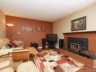 Photo 8: 31 3987 Gordon Head Road in VICTORIA: SE Arbutus Row/Townhouse for sale (Saanich East)  : MLS®# 412272