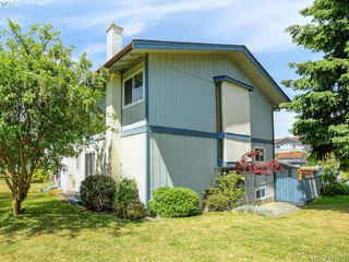 Photo 5: 31 3987 Gordon Head Road in VICTORIA: SE Arbutus Row/Townhouse for sale (Saanich East)  : MLS®# 412272