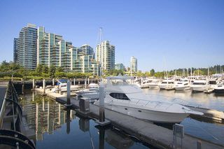 "Photo 3: 307 1717 BAYSHORE Drive in Vancouver: Coal Harbour Condo for sale in ""BAYSHORE GARDENS"" (Vancouver West)  : MLS®# R2380372"
