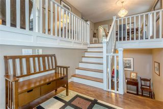 Photo 2: 8444 DOERKSEN Drive in Mission: Mission BC House for sale : MLS®# R2382332