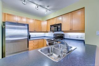 Photo 7: 208 38 SEVENTH Avenue in New Westminster: GlenBrooke North Condo for sale : MLS®# R2383369