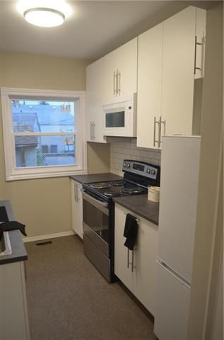 Photo 4: 566 Harbison Avenue in Winnipeg: Elmwood Residential for sale (3A)  : MLS®# 1918656