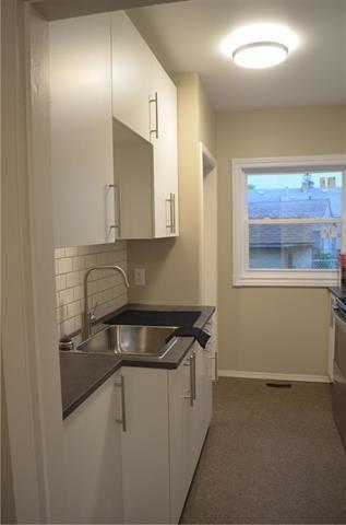 Photo 3: 566 Harbison Avenue in Winnipeg: Elmwood Residential for sale (3A)  : MLS®# 1918656