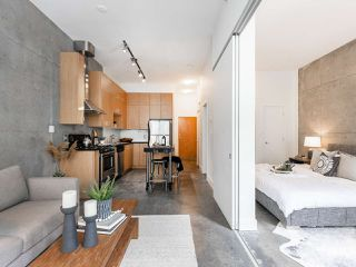 "Photo 4: 205 2635 PRINCE EDWARD Street in Vancouver: Mount Pleasant VE Condo for sale in ""Soma Lofts"" (Vancouver East)  : MLS®# R2392727"