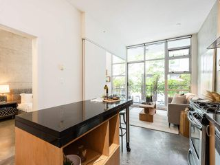 """Photo 9: 205 2635 PRINCE EDWARD Street in Vancouver: Mount Pleasant VE Condo for sale in """"Soma Lofts"""" (Vancouver East)  : MLS®# R2392727"""