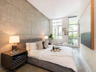 """Photo 10: 205 2635 PRINCE EDWARD Street in Vancouver: Mount Pleasant VE Condo for sale in """"Soma Lofts"""" (Vancouver East)  : MLS®# R2392727"""