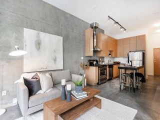 """Photo 1: 205 2635 PRINCE EDWARD Street in Vancouver: Mount Pleasant VE Condo for sale in """"Soma Lofts"""" (Vancouver East)  : MLS®# R2392727"""