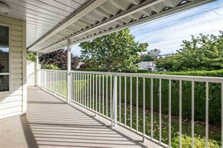 """Photo 11: 59 3054 TRAFALGAR Street in Abbotsford: Central Abbotsford Townhouse for sale in """"Whispering Pines"""" : MLS®# R2409495"""