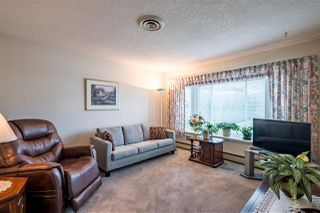 """Photo 2: 59 3054 TRAFALGAR Street in Abbotsford: Central Abbotsford Townhouse for sale in """"Whispering Pines"""" : MLS®# R2409495"""