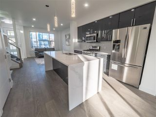 Photo 8: 8831 92 Street in Edmonton: Zone 18 House Half Duplex for sale : MLS®# E4177601