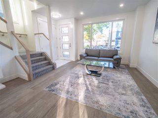 Photo 4: 8831 92 Street in Edmonton: Zone 18 House Half Duplex for sale : MLS®# E4177601