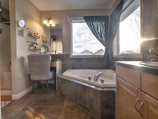 Photo 11: 5331 Terwillegar Boulevard in Edmonton: Zone 14 House for sale : MLS®# E4184221